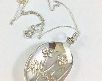 South Carolina Necklace, Jessamine Necklace, Jessamine Jewelry, Flower Charm Spoon Necklace Gardener Gift Spoon Jewelry, South Carolina Gift