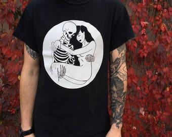Love and Death Embrace T-Shirt /  Sad Girl Skeleton Skull Lovers Tarot / Dark Punk Goth Witchy Tattoo Art / Unisex Screen Printed Tee