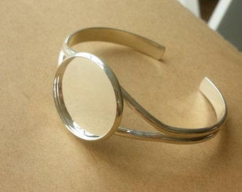 2PCS Silver plated Brass  Bracelet with  Round Pad Cabochon Setting BLB07