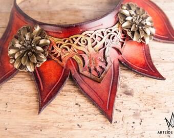 Collier Phoenix plastron cuir feuilles couleur automne