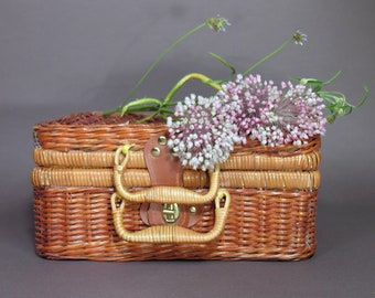 Little Rattan Suitcase - Pic Nic Suitcase - Retro Sewing Box - Vintage Storage Luggage - Kids Room Home Decor - Collectible Rattan