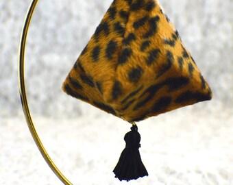 Fuzzy leopard skin #312