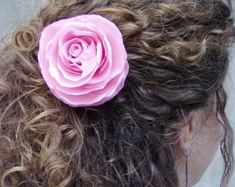 Pink rose hair clip for wedding in romantic style