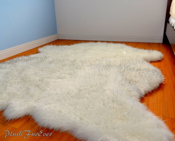 Luxe fausse fourrure tapis clair pointe noire ours peluche