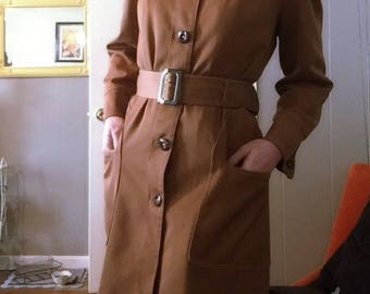 Lovely Vintage Misty Harbor All-Weather Coat-Super Cute-Mod-Quality -Union Made-Ultra Flattering -Medium - British Tan