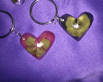 Clear heart shaped 4 leaf clover keychain