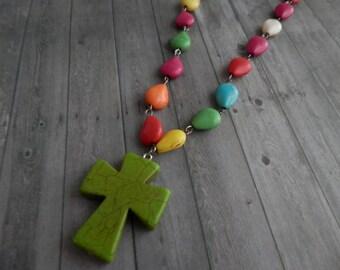 DYNAMIQUE... Arc en ciel Turquoise Collier avec croix