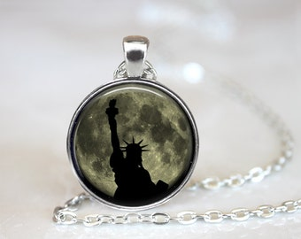 Statue of Liberty Necklace, New York City Necklace, NYC Jewelry, NY Necklace, Liberty and Justice, United States of America Flag, (ZM126-13)