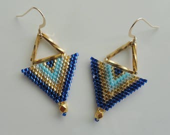 Earrings Egyptian blue and gold weaving brickstich