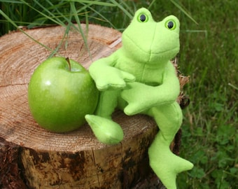 The Green Apple Frog, Scented Beanbag Frog, Wool Felt ~ Stuffed with Flax Seeds and Organic Herbs, Natural Plush Frog Toy, Froggie