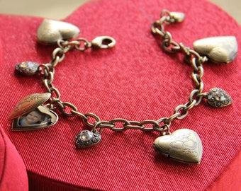 Heart Locket Charm Bracelet, Heart Locket Bracelet, Gift for Her, Heart Jewelry, Locket Jewelry, Gift for Mom, Gift for Best Friend BR0214