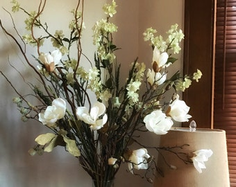 Large Floral Arrangement, White flowers, Neutral floral decor