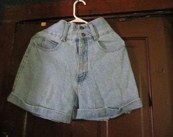 VINTAGE High Waisted faded Denim MOM   Shorts sz 7-8