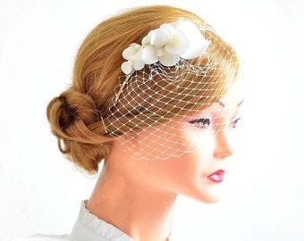 Petite birdcage veil with headpiece Bridal hair clip with mini veil birdcage veil  Birdcage veil headband Bridal hair comb