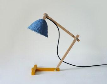 Lámpara de escritorio Metamorfozis Azul, lampara, luces de noche, lámpara de mesa, papel mache, lámpara de papel, lámpara de madera,lamparas