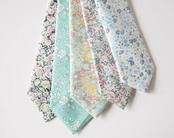 Mint Men's Tie, mint floral tie, mint green men's tie, green men's tie, mint paisley tie, mint tie, green skinny tie, mint necktie, floral