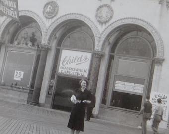 1940's Atlantic City  Boardwalk Cafe Snapshot Photo - Free Shipping