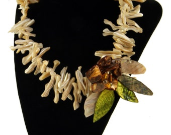 """Unique Couture amber, mother of pearl, and silver necklace, 17"""""""