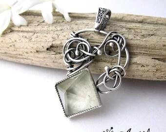 Quartz Crystal Pendant, Clear Quartz jewelry, Healing Crystals Jewelry, wedding crystal jewelry, engagement jewelry, wedding pendant, ooak