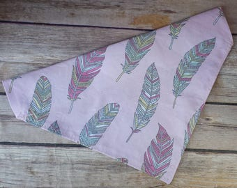 Feather Dog Bandana / Pink Dog Bandana / Boho Dog Bandana / Cat Bandana / Dog Scarf / Over the Collar / Dog Accessories / Dog Lover Gift