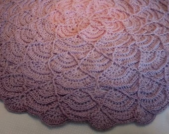 IN BLOOM crochet round baby blanket - baby shower, heirloom, christening, lapghan. Ready to Ship - Free Shipping
