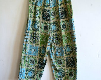 1960s Green and Tan Starlight High Waisted Capri Pants with Funky Square Floral Tile Print Mod Boho