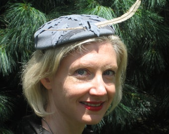 1940s gey wool cap with leaves and feather