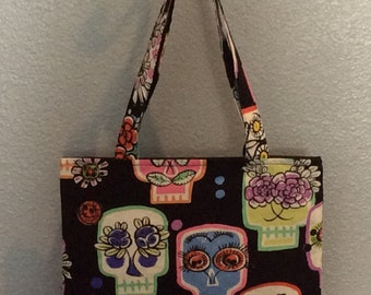 Open Ended Tote      Flower Eyes Skulls