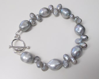 Silver pearl bracelet with toggle clasp