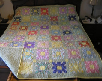 SALE ITEM King/queen Flower Garden  quilt