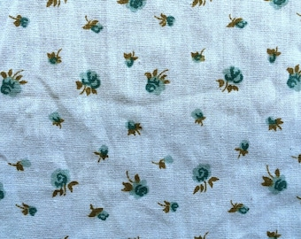 Vintage 70s Pale Baby Blue and Teal Blue Rose Flower Fabric Mid Century Kitsch Floral Print Light Weight Cotton Blend Quilt Weight CBF