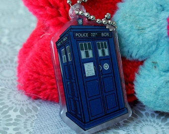 Doctor Who the Tardis keychain charm