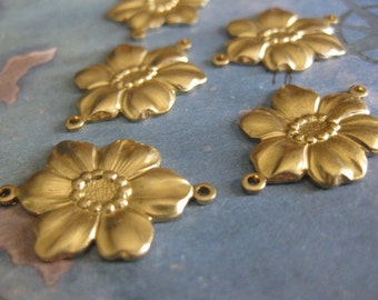 4 PC Raw Brass Flower Link / Connector Finding - II01