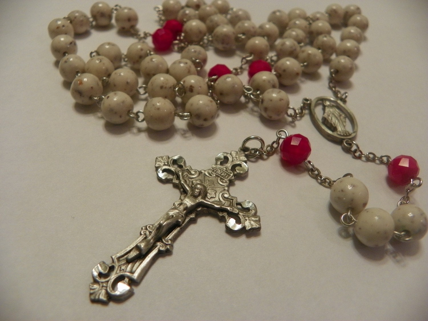 Memorial rosary beads with your dried flowers from a funeral zoom izmirmasajfo Image collections