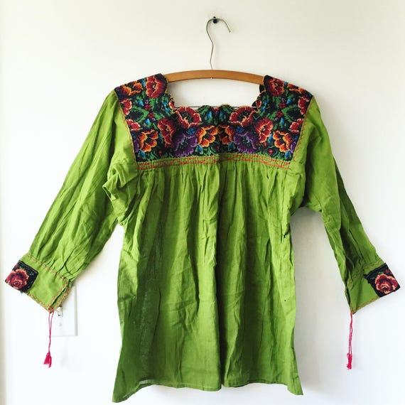 VintageEmbroidered Oaxacan Blouse , Mexican Peasant Blouse , BOHO Tunic Top