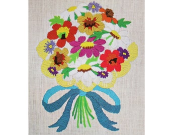 Vintage Crewel Embroidery Kit - 70s Stamped Floral Pattern w/ Colorful Yarn - Spring Daisy Flower Bouquet