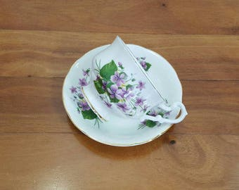 Vintage Collectible PARAGON VIOLETS Footed Tea Cup & Saucer Set, England