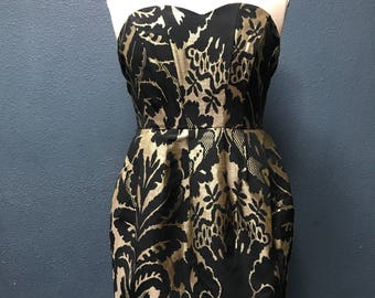 Black and gold strapless party dress!
