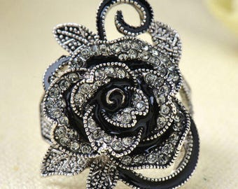 Rose and Crystal Ring