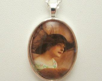 Edwardian Lady Glass Pendant, Oval Glass Pendant, Edwardian Lady Glass Necklace, Oval Glass Necklace, Glass Photo Necklace, Photo Pendant