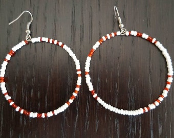 Red and white beads circular earrings