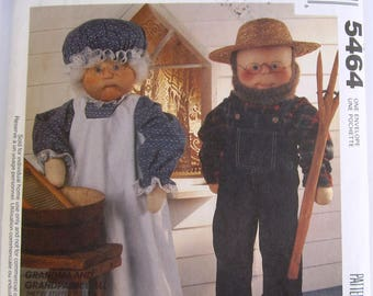 Grandma and Grandpa Dolls and Clothes McCalls Crafts Pattern 5464/705 UNCUT