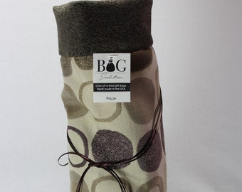 Taupe with plum and tan circles woven fabric gift bag