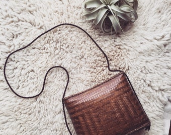 Vintage Bohemian Wicker Purse / Handwoven Structured Straw Bag / Cognac Retro Woven Handbag