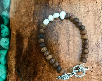 Wood & Pearl bracelet