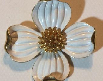 Vtg Trifari White Dogwood Blossom Flower Brooch