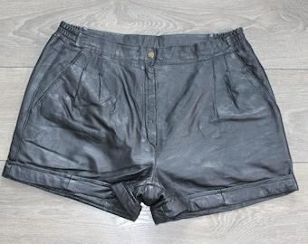"Vintage Black Leather EPISODE High Waist Front Pleat Hot Pants Shorts Size W31"""