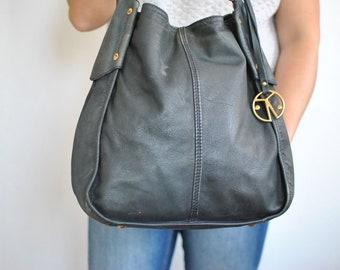 Vintage LEATHER HANDBAG , women's leather bag...............(160)