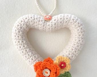 Couronne de coeur de fleurs - fait main au Crochet décoration - décoration de la maison - Couronne de Shabby Chic - cadeau d'anniversaire - fête des mères - ready-made