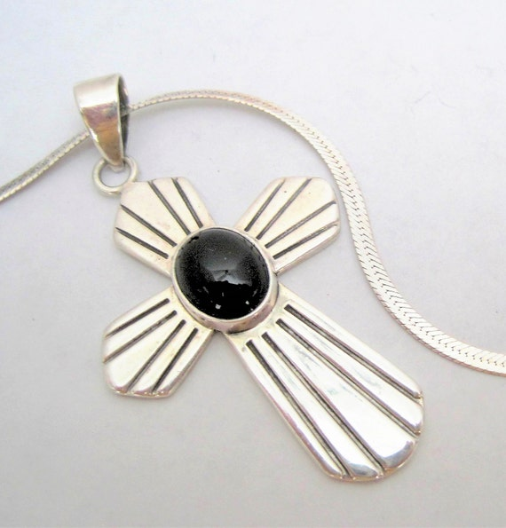"Sterling Mexico Necklace - 925 Pendant - Onyx Center - 18"" Sterling Serpentine Chain"